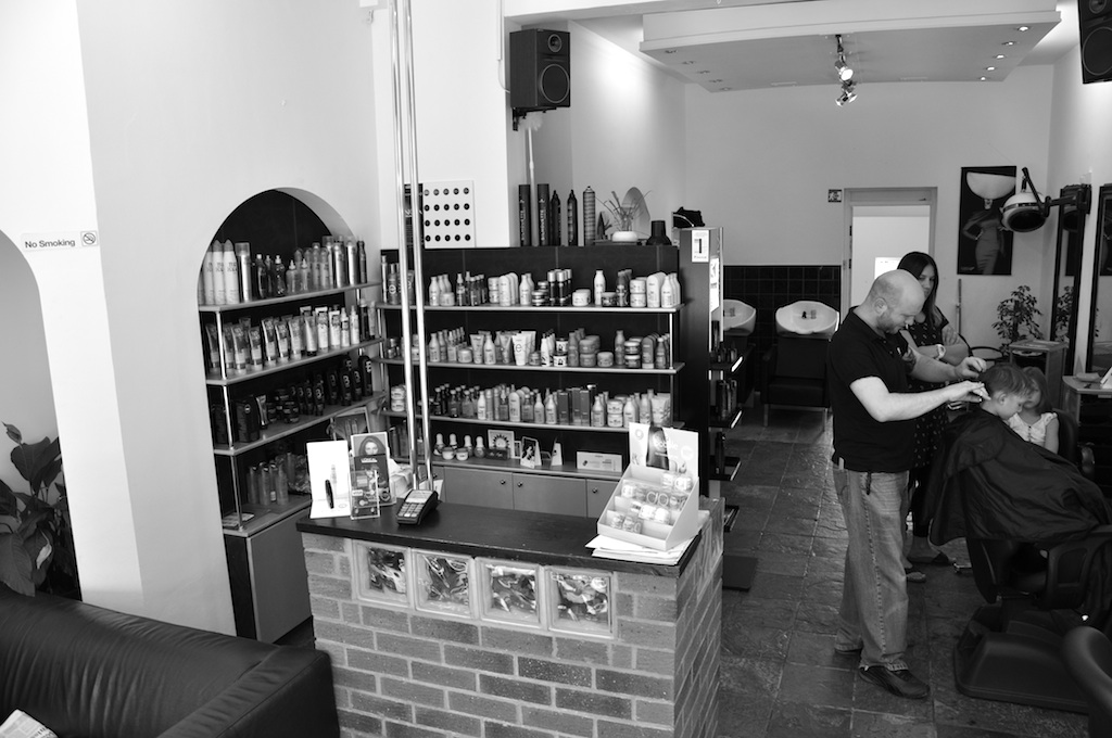 Salon_Interior - THE HAIR COMPANY - 020 8991 1600